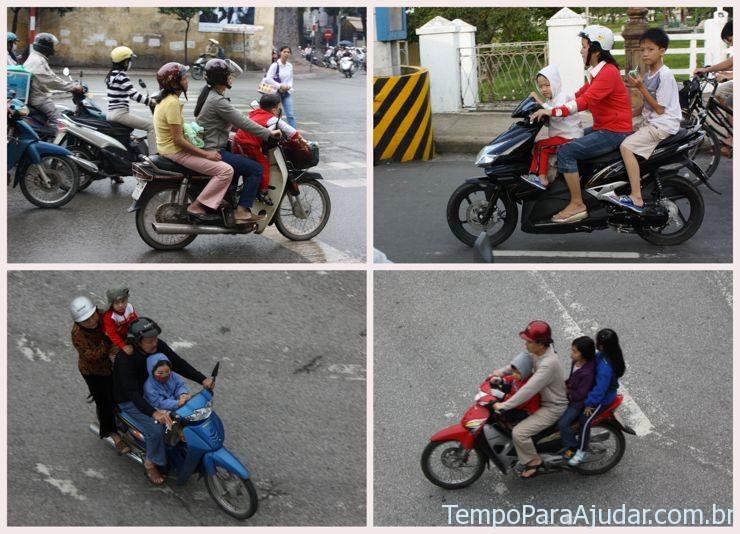 Famílias em cima da moto