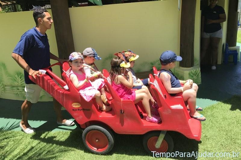 Crianças no Petit Club Med Trancoso