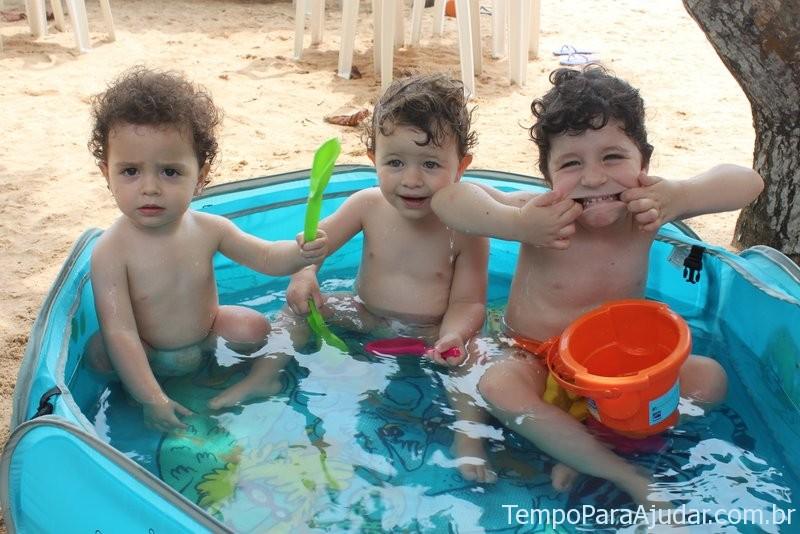 Piscina portátil para crianças na praia do Club Med Trancoso