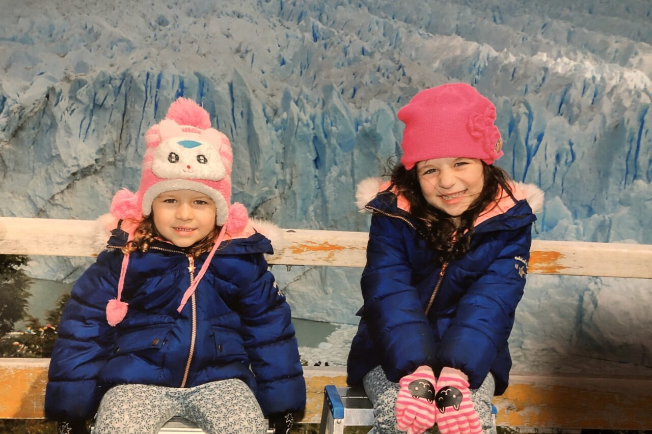 Meninas no Glaciar Perito Moreno